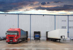 Cargo truck at warehouse building Royalty Free Stock Photos