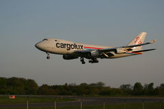 Cargolux 747 landing Royalty Free Stock Photography