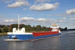 Cargueiro em Kiel Canal foto de stock royalty free