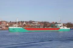 Cargueiro no canal de Kiel fotos de stock royalty free