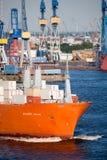 Cargueiro no porto imagem de stock royalty free