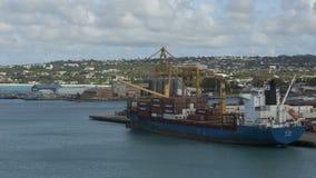Carguero de Timelapse cargado en Barbados almacen de video