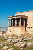 Cariátides en la acrópolis en Atenas Foto de archivo