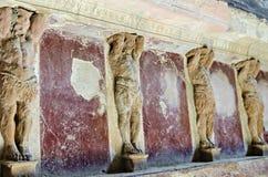 Cariátides nos banhos de Pompeii Fotografia de Stock