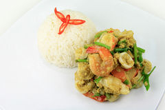 Cari de fruits de mer avec du riz de jasmin Photo stock