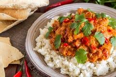 Cari de poulet avec du riz et le cilantro Images stock