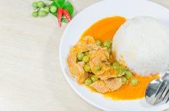 Cari rouge sec de noix de coco de porc (Panaeng) Image stock