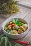 Cari thaï de vert de poulet Nourriture thaïlandaise célèbre de tradition Image pour Image stock