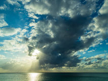 caribbean над заходом солнца моря Стоковые Изображения
