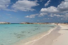 Caribbean Blue. Beautiful white caribbean beach with clear blue water Stock Photography