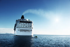 Caribbean sea and cruise ship Stock Photography