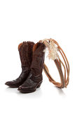 Caricamenti del sistema di cowboy di cuoio del Brown su bianco Immagini Stock Libere da Diritti