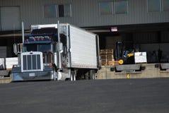 Caricamento del camion Fotografia Stock