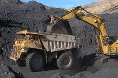 Caricamento del camion del carbone Fotografia Stock Libera da Diritti