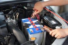 Caricare l'automobile di batteria Immagine Stock Libera da Diritti