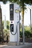 Caricatore dell'automobile elettrica Fotografia Stock Libera da Diritti