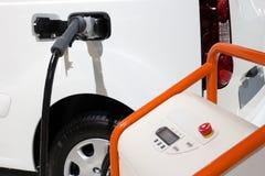 Caricatore dell'automobile elettrica fotografie stock