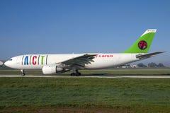 Carico Airbus A300 Immagini Stock