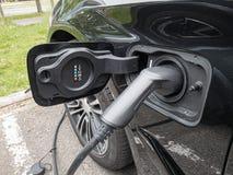 Carico elettrico del veicolo immagine stock libera da diritti