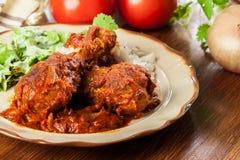 Caril do pilão de galinha com arroz fotos de stock