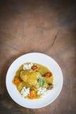 Caril picante da galinha com vegetais Foto de Stock