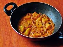 Caril picante recentemente cozinhado da batata Imagem de Stock