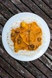 Caril suave frutado da galinha com arroz fervido Imagens de Stock