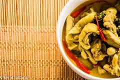 Caril verde com galinha, alimento tailandês Fotografia de Stock