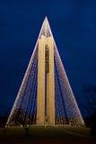 Carillonklokketoren met Kerstmislichten bij Nacht, Verticaal, HDR Stock Afbeelding