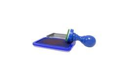 Carimbos de borracha azuis, equipamento de escritório, equipamento para negócios imagens de stock royalty free