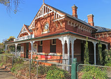 CARISBROOK, VICTORIA, AUSTRALIA - Carisbrook's picturesque licensed Post Office, in Bucknall Street, was built in 1888 Royalty Free Stock Photos