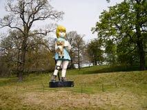 Carità: Parco della scultura di Damien Hirst Bronze Statue At Yorkshire immagine stock libera da diritti