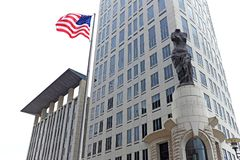 Carl B Stookt U op S Hof Huis in Cleveland van de binnenstad, Ohio, de V.S. royalty-vrije stock afbeelding