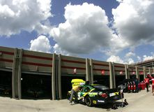 Carl Edwards-Auto in der Garage Lizenzfreies Stockbild