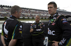 Carl Edwards with crew on pit road Royalty Free Stock Images