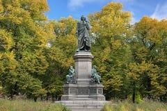 Carl Linnaeus zabytek w Sztokholm, Szwecja Zdjęcia Stock