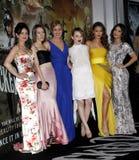 Carla Gugino、康沃尔耶拿玛隆的Abbie,艾米莉・布朗宁、杰米・钟和凡妮莎・哈金斯 图库摄影