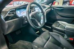 Carlingue du modèle de luxe normal S 90D À ROUES MOTRICES, 2015 de Tesla de voiture Image libre de droits