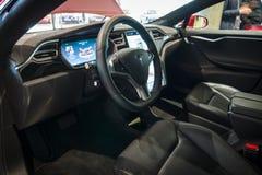 Carlingue du modèle de luxe normal S 90D À ROUES MOTRICES, 2015 de Tesla de voiture Images libres de droits