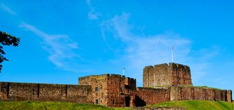 Carlisle Castle. Is situated in Carlisle, in the English county of Cumbria, near the ruins of Hadrian's Wall. The castle is over 900 years old and has been the Stock Photos