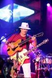 Carlos Santana durante il giro - giro 2016 di luminosità Fotografie Stock