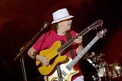 Carlos Santana durante il giro - giro 2016 di luminosità Fotografie Stock Libere da Diritti
