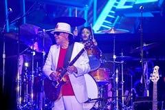 Carlos Santana en el viaje - viaje 2016 de la luminosidad imágenes de archivo libres de regalías