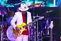 Carlos Santana na excursão - excursão 2016 da luminosidade Foto de Stock Royalty Free
