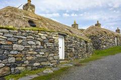 CARLOWAY, GROSSBRITANNIEN - 17. AUGUST: Dorf-Museum Gearrannan Blackhouse bei Harris und bei Lewis Island, Äußere Hebriden, Schot lizenzfreies stockfoto