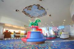CARLSBAD USA, FEBRUARI 5: Legoland hotell i Carlsbad, Kalifornien på F Arkivfoton
