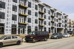 Carmel - circa im März 2017: Neue Wohnblock-und Multi-Wohnungs-Blockbauweise Der Carmel-Bereich macht schnelles Wachstum II durch Stockfotos