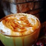 Carmel latte royalty-vrije stock afbeeldingen