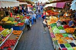 Carmel Market Shuk HaCarmel in Tel Aviv - Israël royalty-vrije stock foto's
