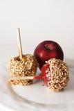 Carmel, Süßigkeit und regelmäßiger Apfel Lizenzfreie Stockfotos